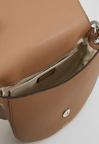 BOSS - VALERY SADDLE - Across body bag - sand - 4
