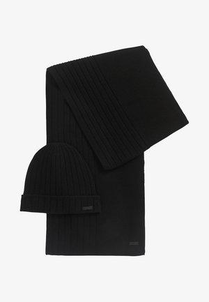 GAVEO SET - Sjal / Tørklæder - black