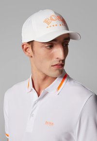 BOSS - CURVED - Caps - white - 2