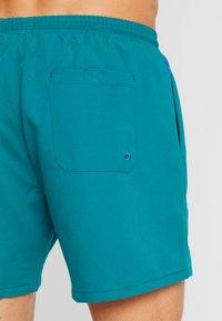 BOSS - PEARLEYE - Surfshorts - dark green - 1