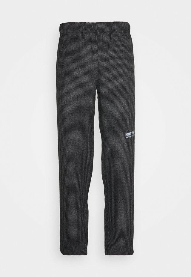 STAMFORD TROUSERS - Pantalon classique - grey