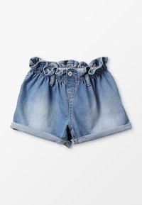 Blue Effect - GIRLS MOM MIT RAFFBUND - Shorts vaqueros - blue denim - 0