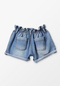 Blue Effect - GIRLS MOM MIT RAFFBUND - Shorts vaqueros - blue denim - 1