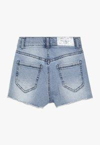 Blue Effect - GIRLS HIGH WAIST STREIFEN - Denim shorts - light blue - 1