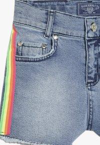 Blue Effect - GIRLS HIGH WAIST STREIFEN - Denim shorts - light blue - 4
