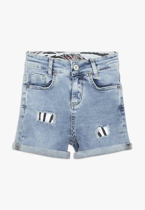 GIRLS SHORT DESTROYED - Shorts di jeans - light blue