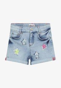 Blue Effect - GIRLS PAILLETTEN STERNE - Shorts di jeans - light blue - 3