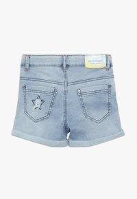 Blue Effect - GIRLS PAILLETTEN STERNE - Shorts di jeans - light blue - 1