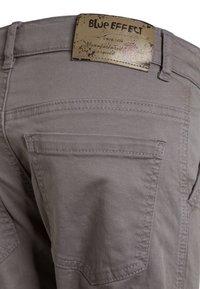 Blue Effect - BOYS PANT - Cargo trousers - mausgrau antik - 4