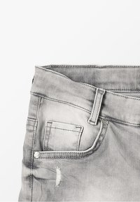 Blue Effect - BOYS - Jeans Shorts - medium grey destroyed - 2