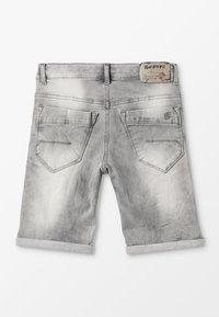 Blue Effect - BOYS - Jeans Shorts - medium grey destroyed - 1