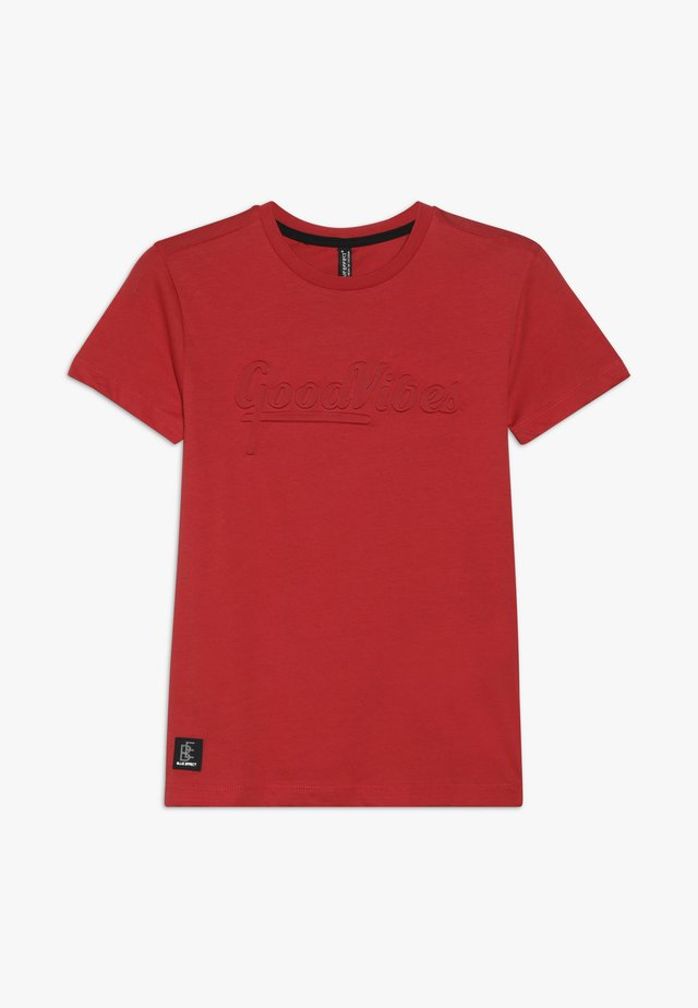 BOYS GOOD VIBES - T-shirt print - feuerrot reactive