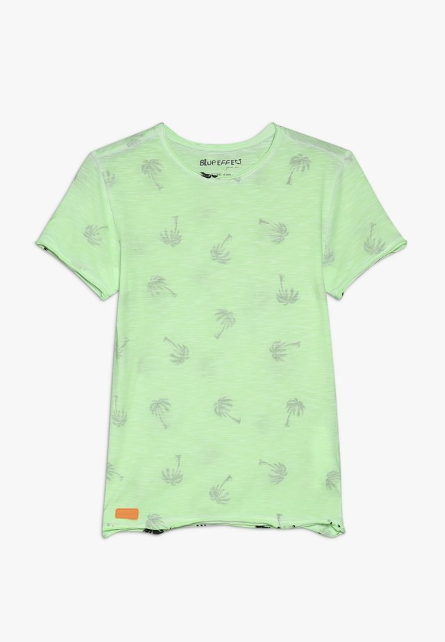 BOYS PALMEN ALLOVER - Camiseta estampada - neon grün oil