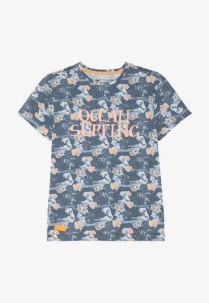 BOYS OCEAN SURFING - Print T-shirt - blue
