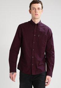 Ben Sherman - Overhemd - dark plum - 0