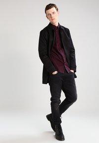 Ben Sherman - Overhemd - dark plum - 1