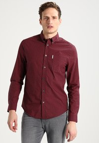 Ben Sherman - CORE GINGHAM - Overhemd - burgundy - 0