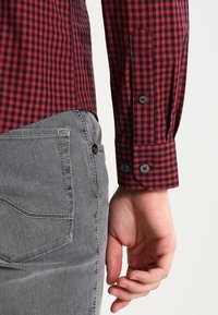 Ben Sherman - CORE GINGHAM - Overhemd - burgundy - 3