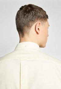 Ben Sherman - SIGNATURE OXFORD SHIRT - Shirt - yellow - 3