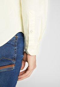 Ben Sherman - SIGNATURE OXFORD SHIRT - Shirt - yellow - 4
