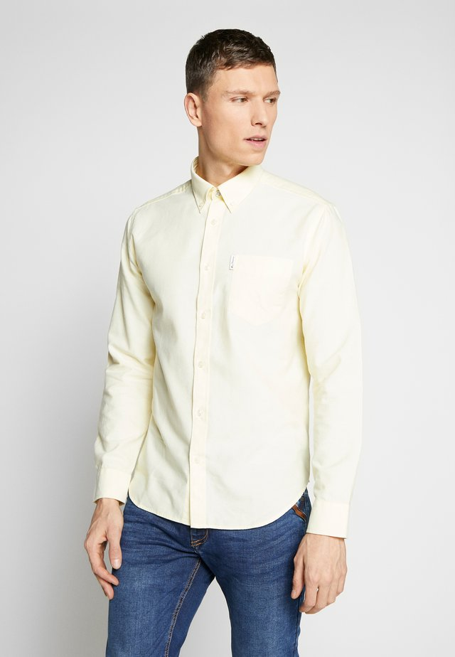 SIGNATURE OXFORD SHIRT - Skjorta - yellow