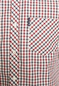 Ben Sherman - SIGNATURE HOUSE CHECK - Shirt - red - 7
