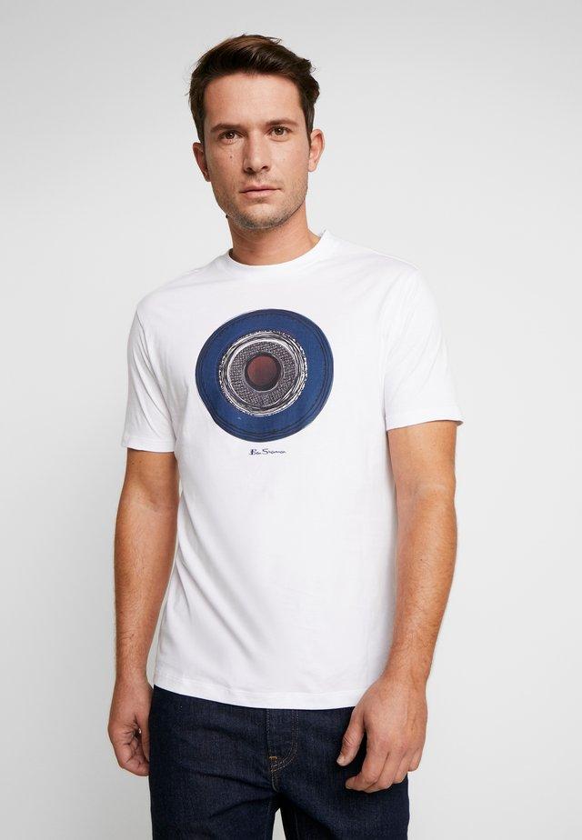TARGET SKETCH TEE - T-shirt imprimé - white