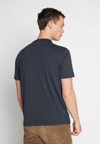 Ben Sherman - SIGNATURE LOGO TEE - Print T-shirt - dark navy - 2