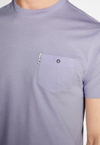 Ben Sherman - SIGNATURE TEE - T-shirt basic - lilac - 4