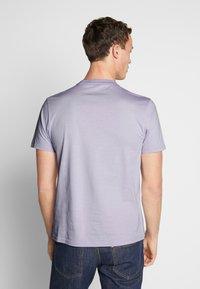 Ben Sherman - SIGNATURE TEE - T-shirt basic - lilac - 2
