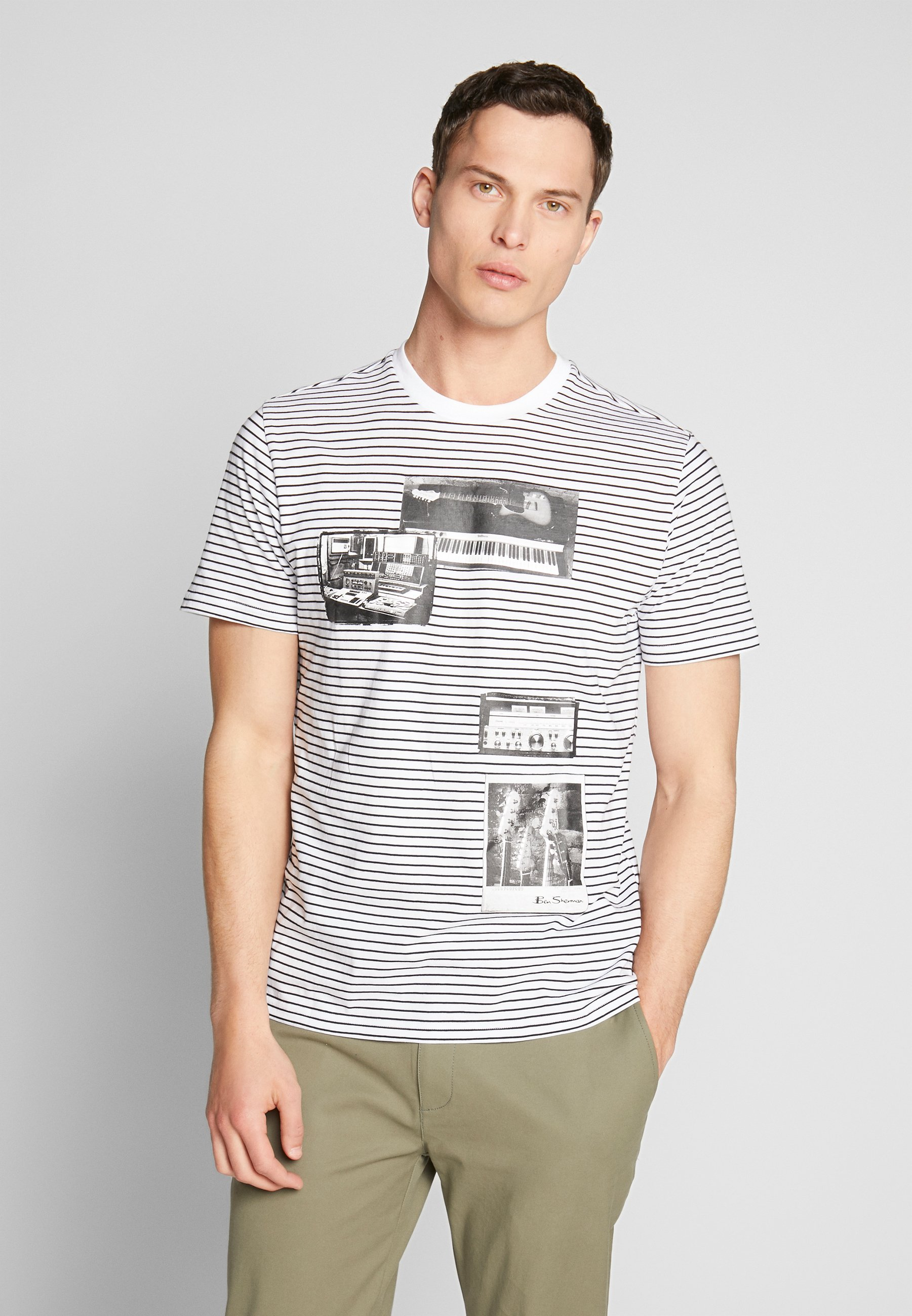 Ben Sherman STUDIO MUSIC ON STRIPE TEE - T-shirt z nadrukiem - white