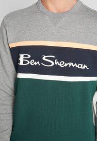 Ben Sherman - COLOUR BLOCKED LOGO - Sweatshirt - steel - 4