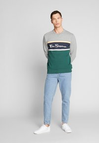 Ben Sherman - COLOUR BLOCKED LOGO - Sweatshirt - steel - 1
