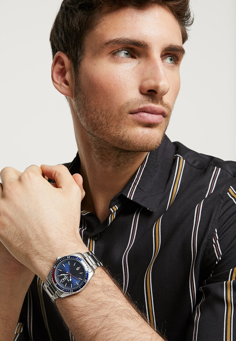 Ben Sherman - RONNIE DIVER - Watch - silver-coloured