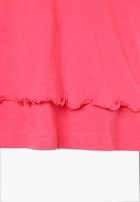 Bench - Noční košile - coral/offwhite - 3