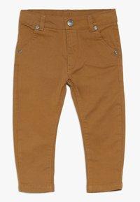 bellybutton - BABY - Pantalones - ermine/brown - 0