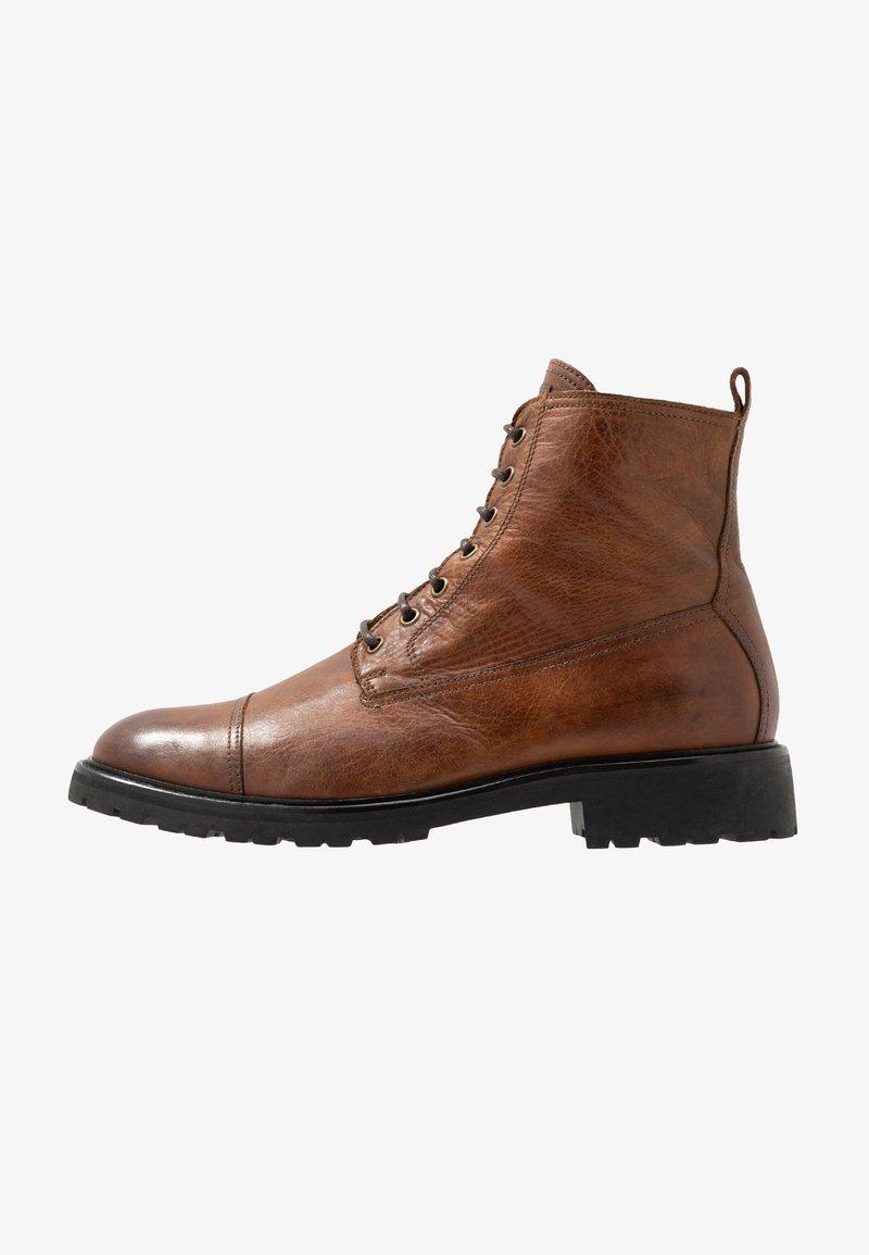 Belstaff - NEW ALPERTON BOOT - Šněrovací kotníkové boty - cognac