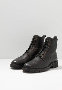 Belstaff - NEW ALPERTON BOOT - Botines con cordones - black - 2