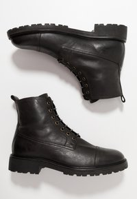 Belstaff - NEW ALPERTON BOOT - Botines con cordones - black - 1
