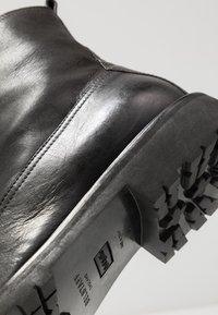 Belstaff - NEW ALPERTON BOOT - Botines con cordones - black - 5