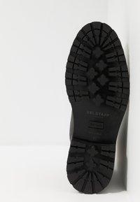 Belstaff - NEW ALPERTON BOOT - Botines con cordones - black - 4