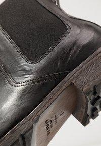 Belstaff - RODE BOOT - Kotníkové boty - black - 5