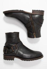 Belstaff - TRIALMASTER BOOT - Kotníkové boty - black - 1