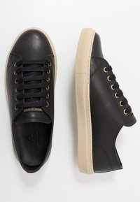 Belstaff - TREADWAY 2.0 TRAINERS - Sneakersy niskie - black - 1