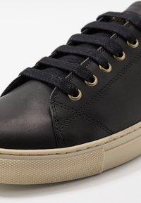 Belstaff - TREADWAY 2.0 TRAINERS - Sneakersy niskie - black - 6