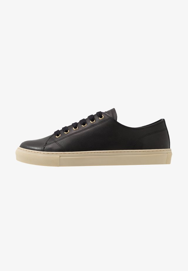 TREADWAY 2.0 TRAINERS - Sneakers laag - black