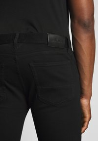 Belstaff - TATTENHALL RAVEN COAL - Slim fit jeans - rinse black - 5