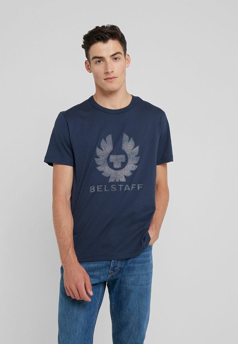 Belstaff - COTELAND REFLECTIVE - Print T-shirt - navy