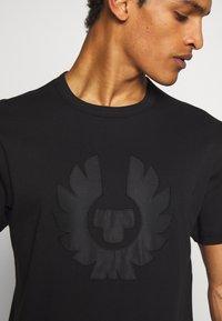 Belstaff - APPLIQUE PHOENIX - Print T-shirt - black - 4