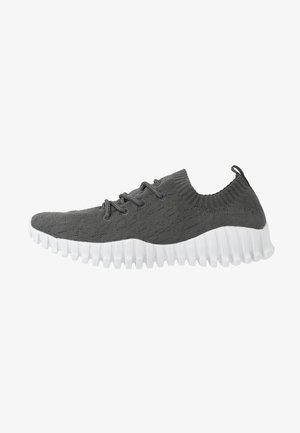 GRAVITY - Sneakers laag - grey